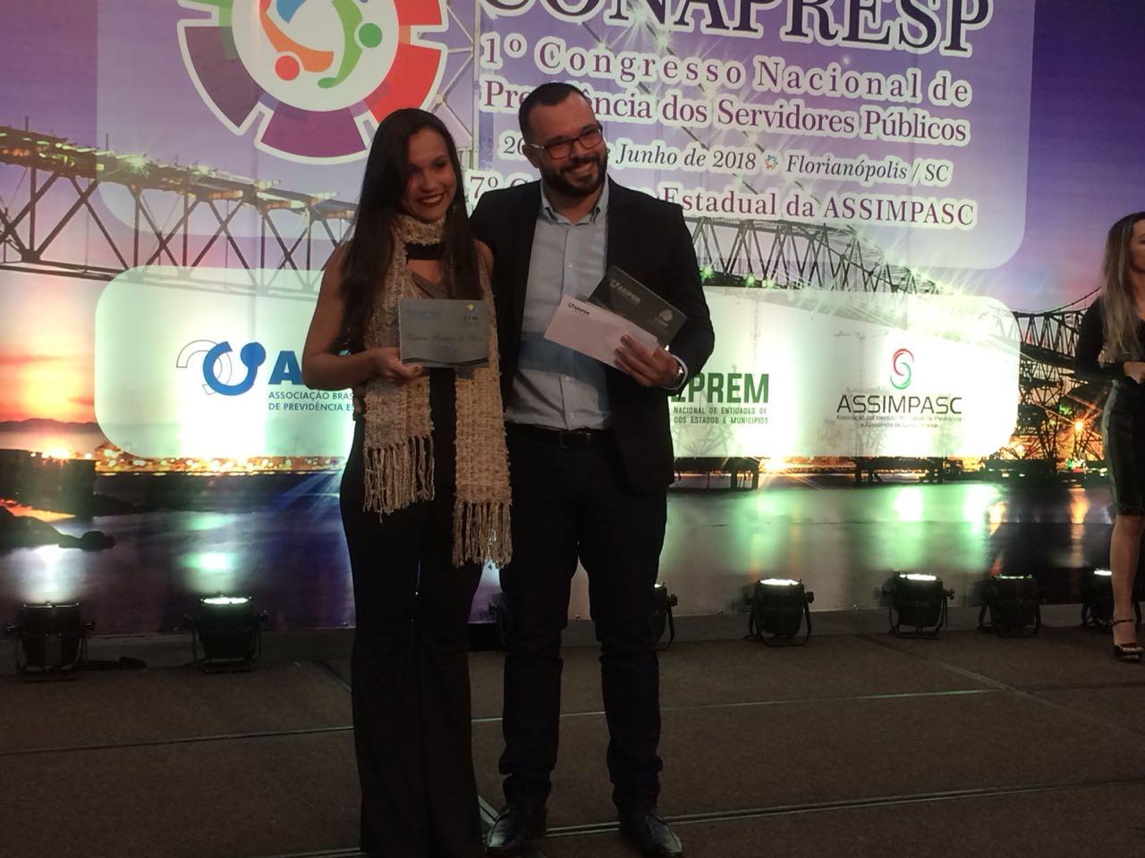 Servidores da PreviCáceres são premiados por trabalho de monografia em Congresso Nacional de Pesquisa Previdenciária