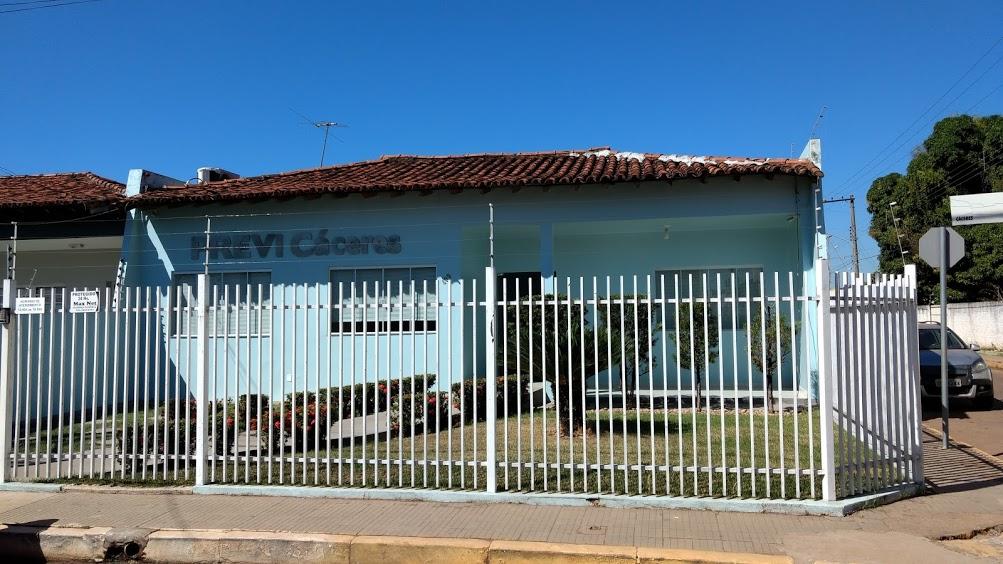 Prefeito sanciona lei de reestruturação do plano previdenciário de Cáceres