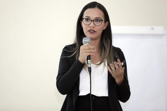 Controladora Interna do PREVICÁCERES participa de painel no evento 7º Encontro de Gestores de RPPS de Mato Grosso