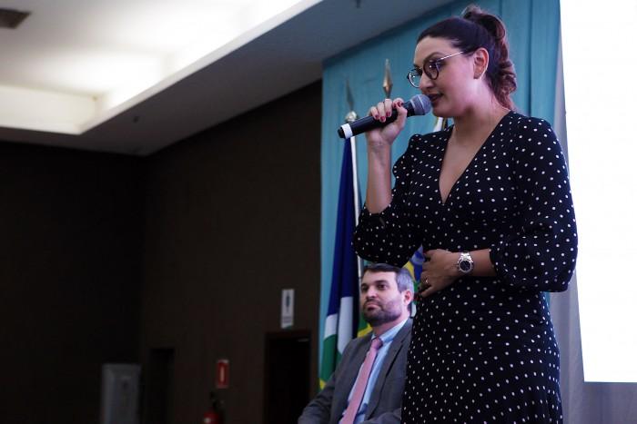 Diretora do PREVICÁCERES toma posse como presidente da APREMAT durante o 7º Encontro de Gestores de RPPS de Mato Grosso